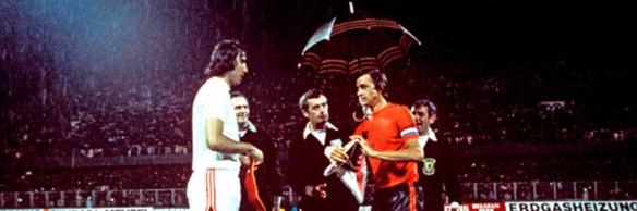 cruyff-paraguas-1976